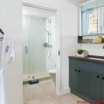Banheiro no Washington Park South Beach em Onde Se hospedar em Miami