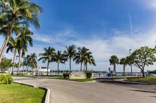 Pier no Dinner Key Marina em Miami