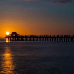 Pôr do Sol no Pier de Naples