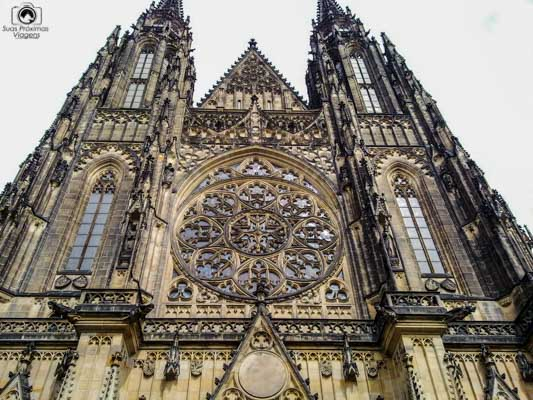 Frente da Catedral de São Vito