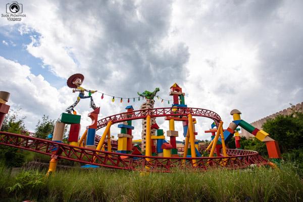 Montanha-russa da Toy Story Land nos parques da disney orlando