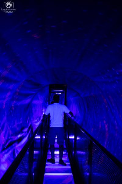 Tunel de Entrada às atrações no wonderworks