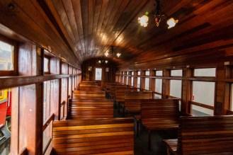 Imagem do Interior do Vagão do Bondinho Turístico de Campos do Jordão