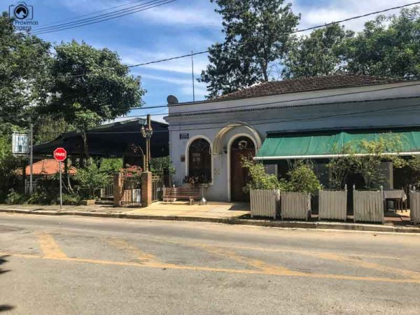 Imagem da Entrada do Restaurante Le Bristrô a caminho de Campos do Jordão