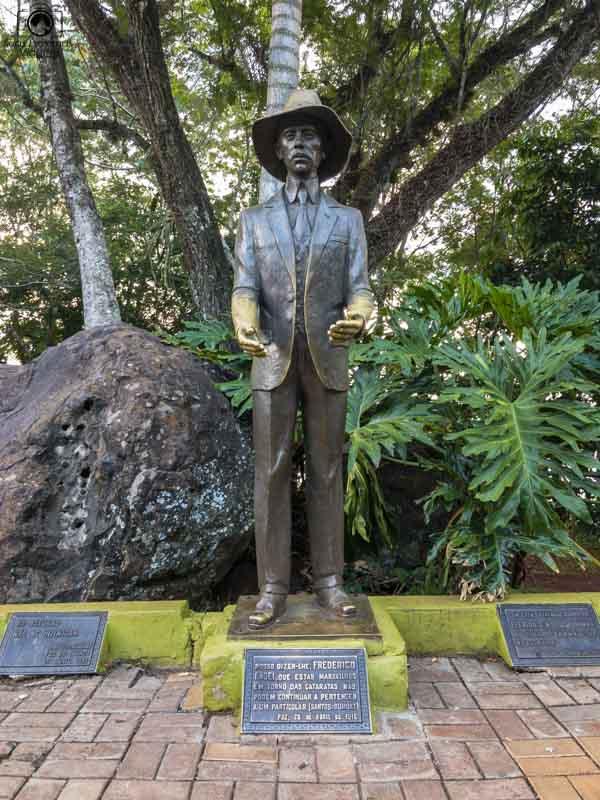 Estátua de Santos Dummont no Parque Nacional Cataratas do Iguaçu