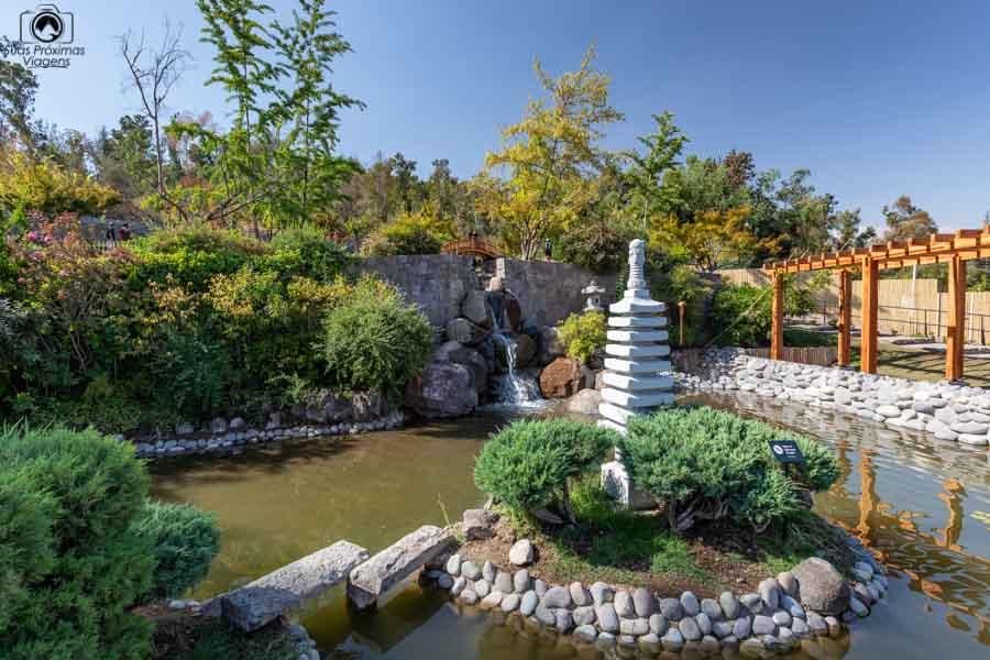 Imagem interna do Jardim Japonês no Parquemet em Santiago