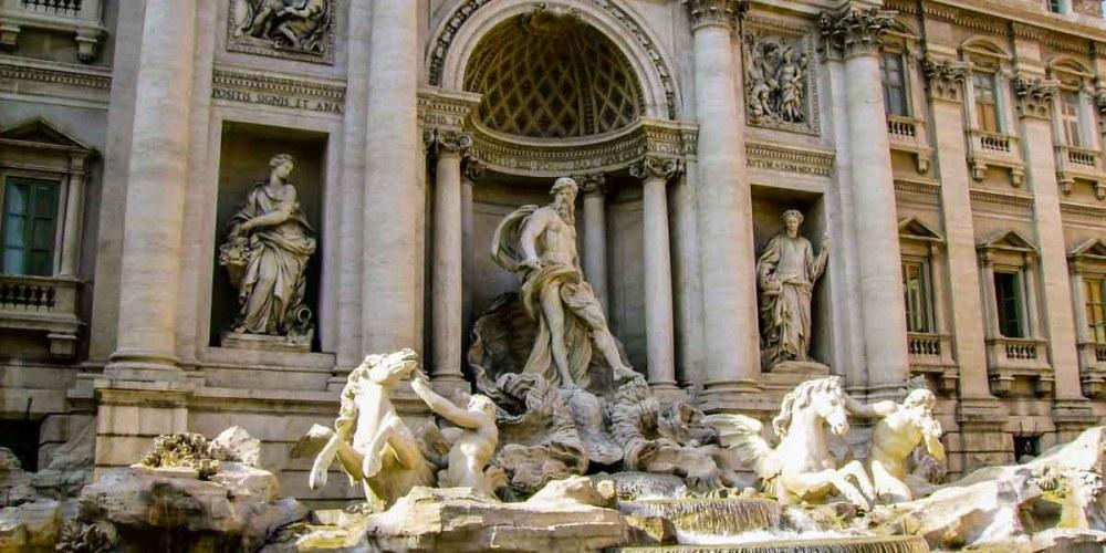 Imagem da Fontana de Trevi em o que fazer em Roma