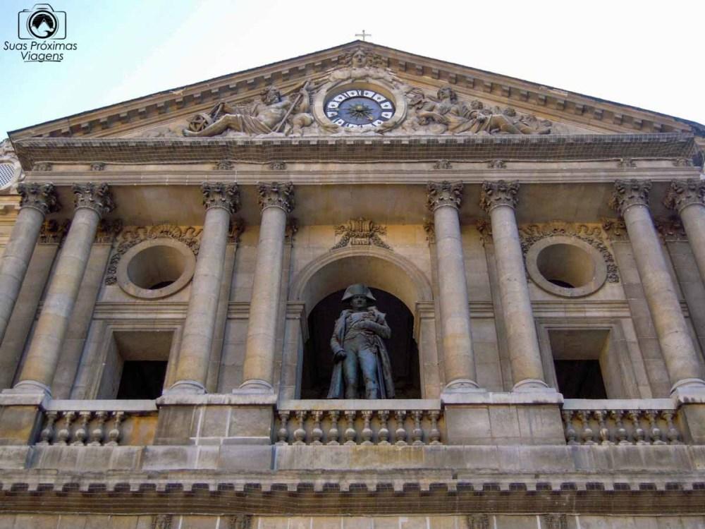 imagem da estátua de Napoleão no museu