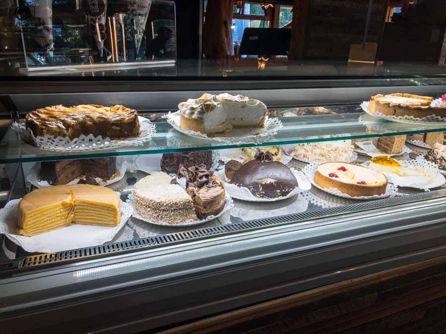 imagem das tortas do restaurante Cassis em Pucón