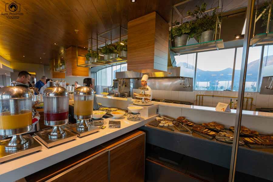 foto do café da manhã no cumbres