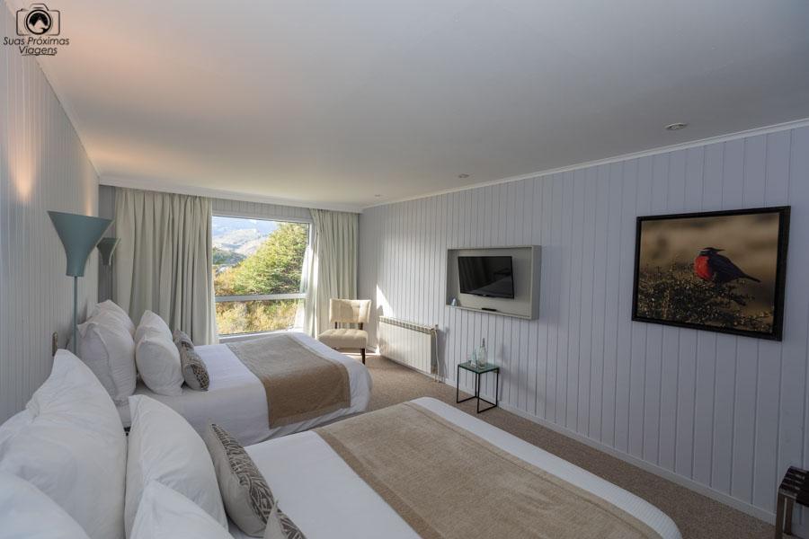 imagem da suite do hotel lago grey