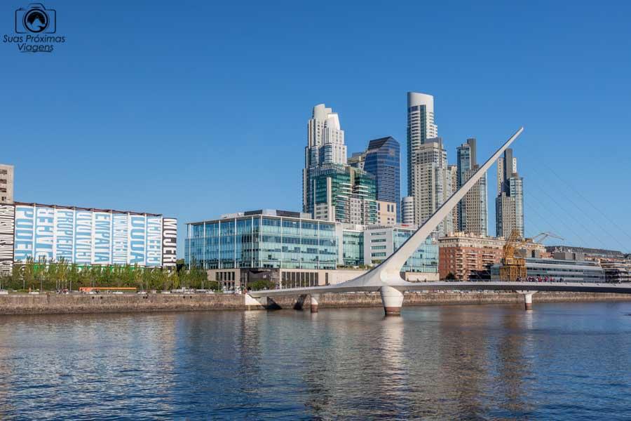 imagem da Ponte da Mulher em Puerto Madero em Buenos Aires