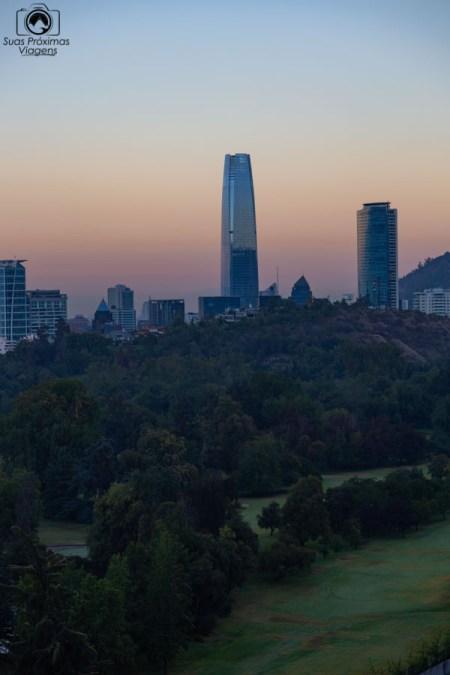 Vista do Sky Costanera ao amanhecer em Santiago