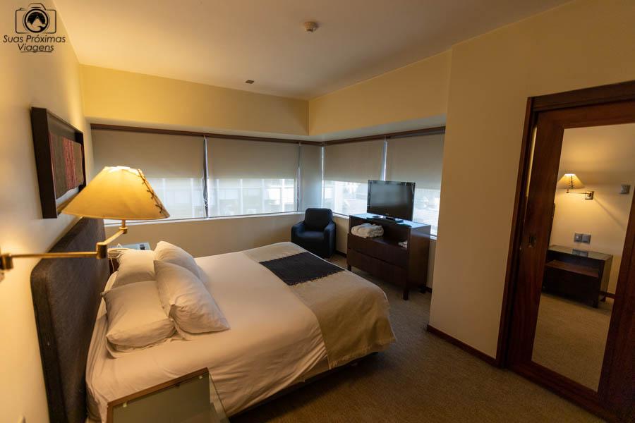 imagem da suite superior do almacruz hotel