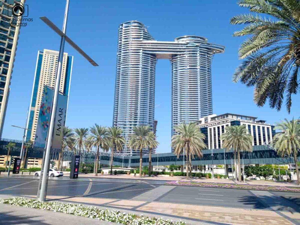 imagem dos modernos prédios em Dubai
