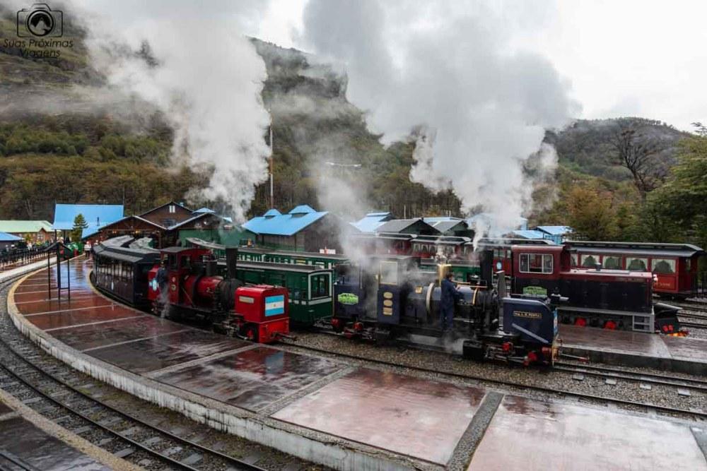 imagem de um trem bem antigo no Mega Tour Verão