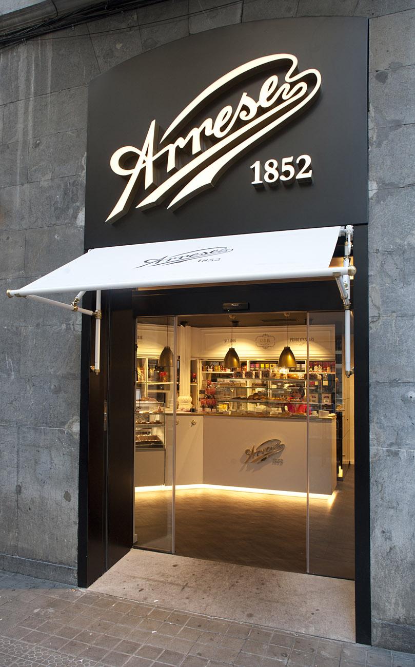 Decoracin Pastelera cafetera Arrese en Bilbao  Sube interiorismo