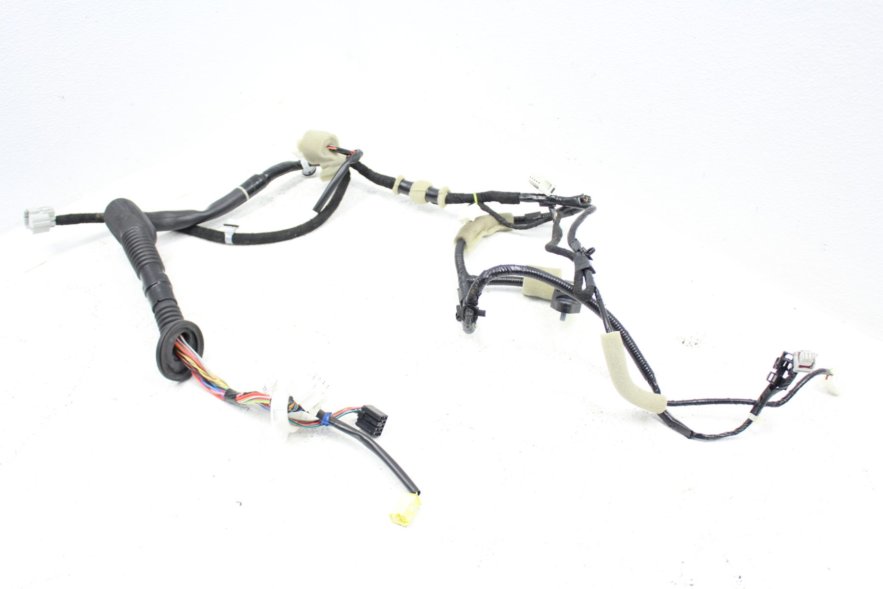 2015-2018 SUBARU WRX STI FRONT RIGHT DOOR HARNESS RH