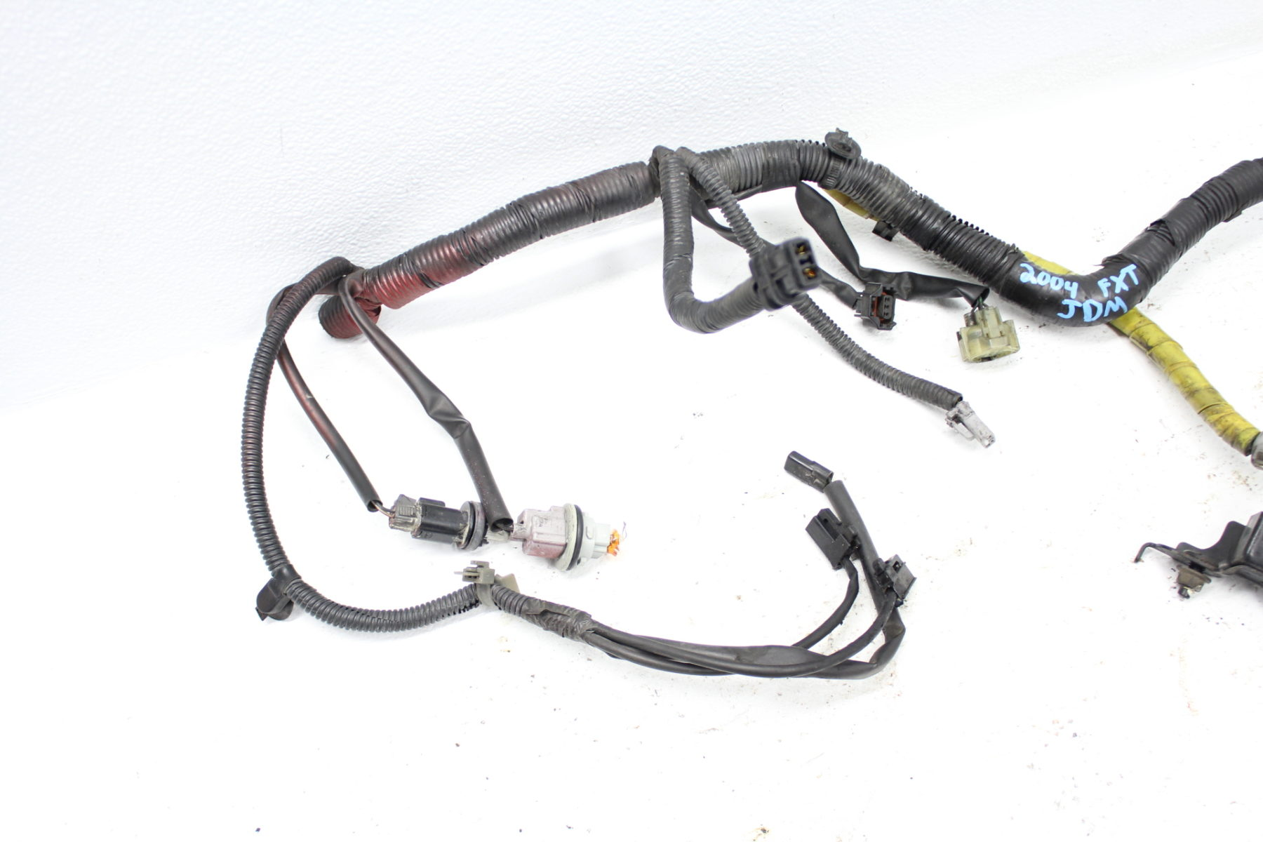 2003-2005 SUBARU FORESTER XT JDM FRONT CHASSIS XENON HID