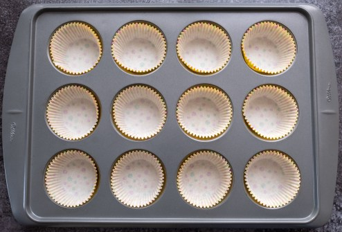Lined muffin tray