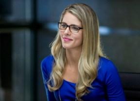 Emily-Bett-Rickards-as-Felicia-in-Arrow-Season-2-570x414