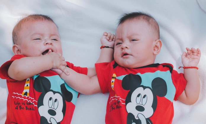 Tips To Take Care Of Twin Babies - Raising Twins