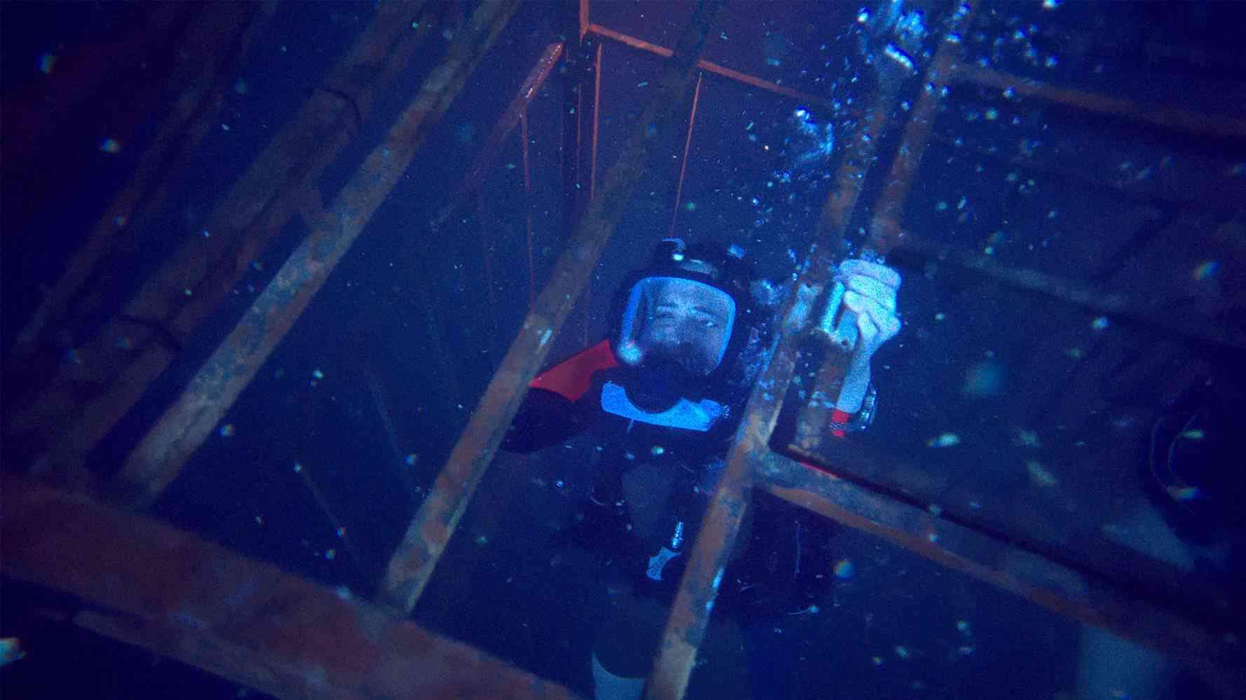 Shark movie '47 Meters Down' takes underwater terror to new depths