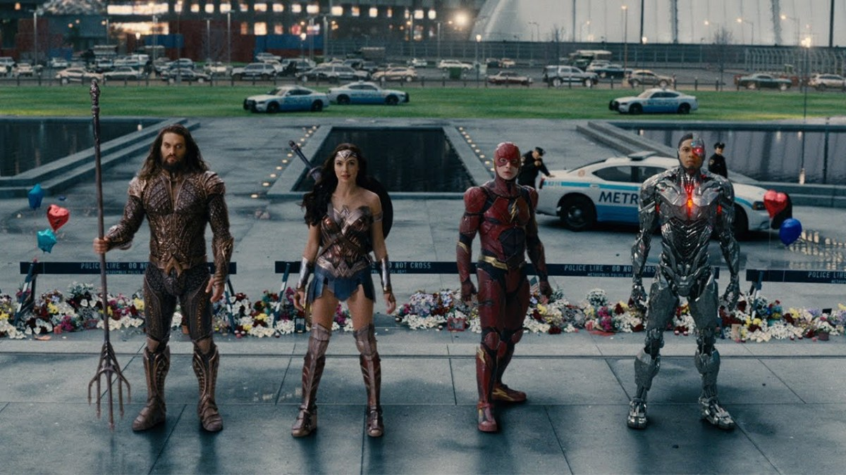 Behold this amazing 4 minute trailer for 'Justice League'