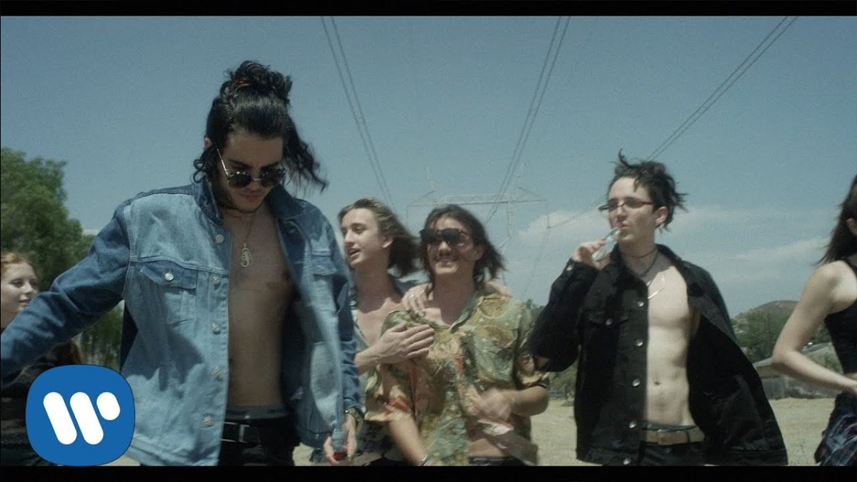 "Chase Atlantic embrace their youth in ""Keep It Up"" video"
