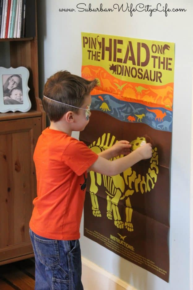 Dino Dig Party Pin the head on the Dinosaur