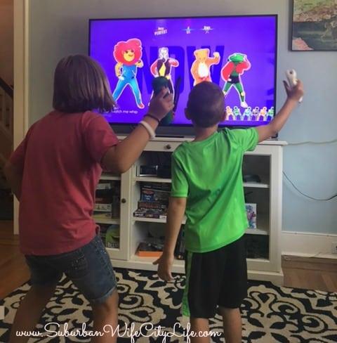 Screen vs Play - Dancing