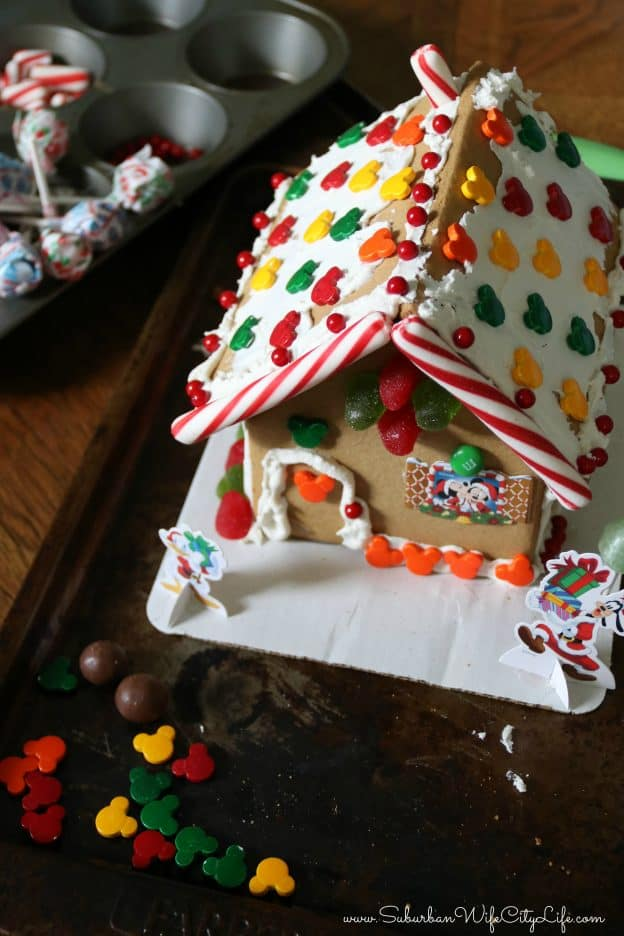 How to decorate Gingerbread houses easily