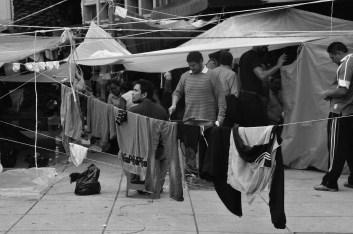 A pesar de las adversidades profesores de la CNTE intentan llevar su vida de manera cotidiana. Fotografía: Martina Oliveiro