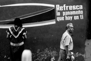 N'Göbe girl in Panama City. Panama (March 2013). Por Spike H. Rogers