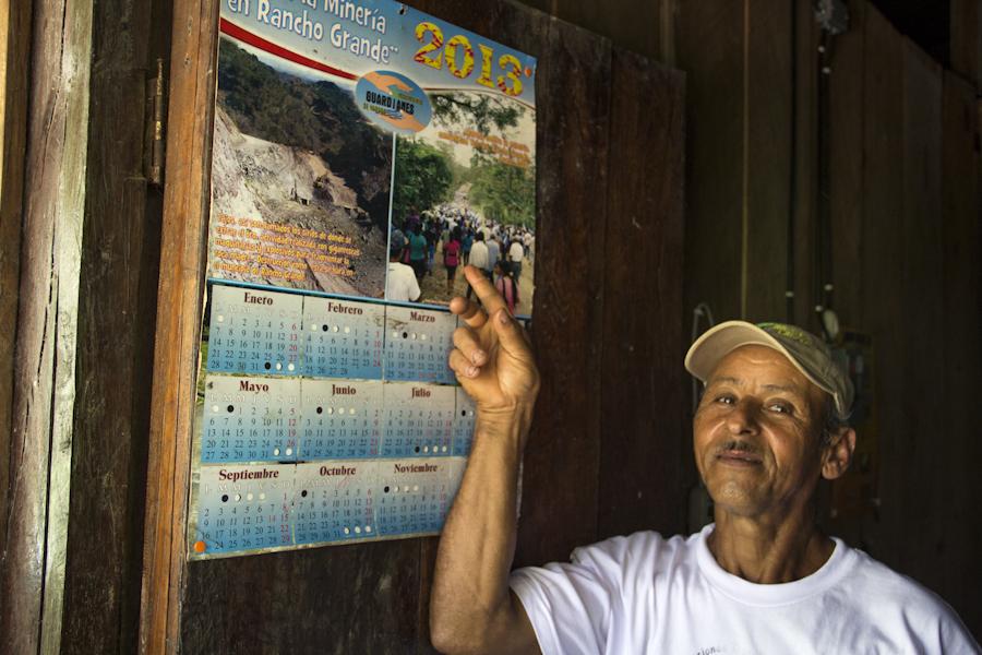 Don Pablo, no dejará que le arrebaten sus tierras. Fotografía: Heriberto Paredes