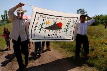 """Fotografía: Judith Gómez. Resistir para Vivir- Resistir para avanzar"""". La consigna fue creada por las CPR de la Sierra durante el desplazamiento forzoso, y sigue vigente hoy en día"""