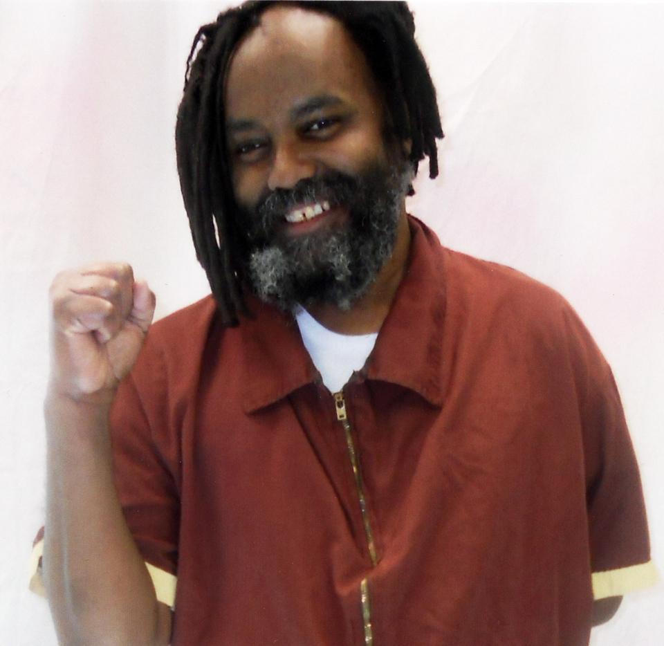 Mumia-raised-fist