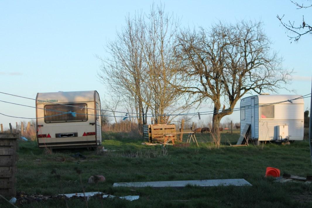 Algun@s viven en sus caravanas