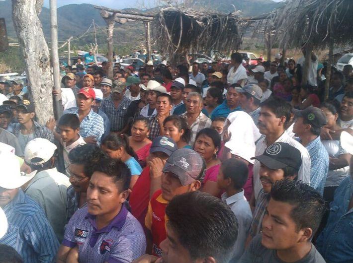 Asamblea de la comunidad de Ostula. Fotografía: Rafael Camacho