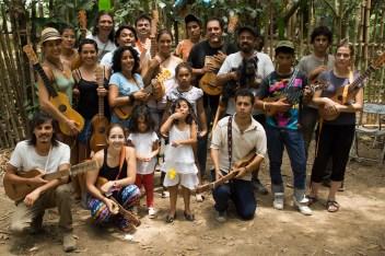Andrés Flores y sus alumnos