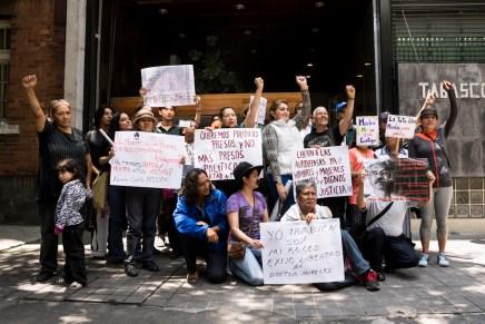 Familiares y amigos del Dr. Mireles exigen su liberación