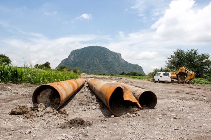 La construcción del gasoducto contempla 160 kilómetros de longitud y 30 pulgadas de diámetro que pretende transportar diariamente 9 mil millones de litros de gas natural, para las termoeléctricas.