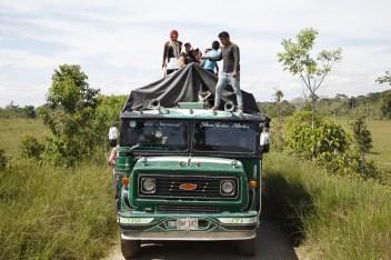 Campesinos del Corredor Puerto Vega. Teteye cubren sus rostros debido a la constante judicialización y criminalización que asecha para quienes defienden sus derechos en el Putumayo.