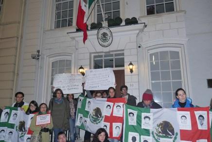 Desde Londres: voces internacionales emplazan a embajada mexicana