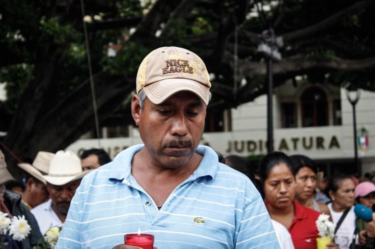 Papá de un normalista desaparecido. Fotografía: Brenda Piña