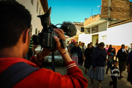 T.V Cherán trabajando Foto: R.Rahal (CC BY-NC-SA)