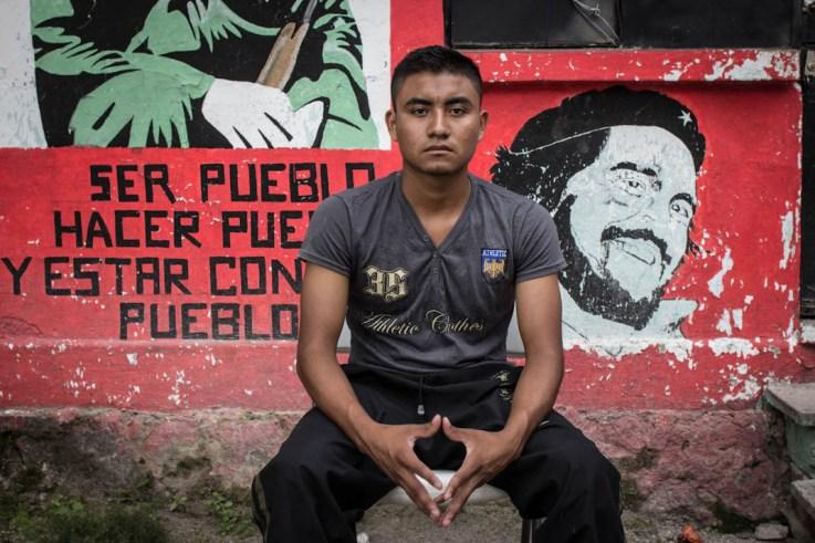 Uriel, estudiante sobreviviente al ataque de la policía y el ejército el 26 y 27 de septiembre de 2014. Fotografía: Heriberto Paredes