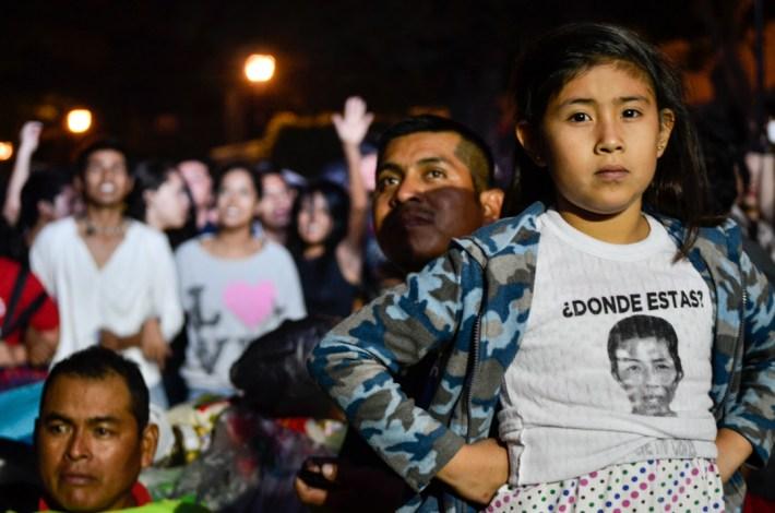 Las familias de los desaparecidos estuvieron en la primera fila del concierto