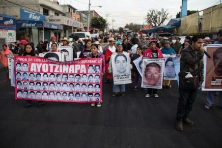 «Su lucha es nuestra lucha»: Pedregales de Coyoacán en solidaridad con Ayotzinapa