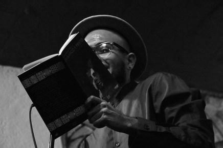 «En Blanco y Prieto»: Descolonizar las ciencias sociales